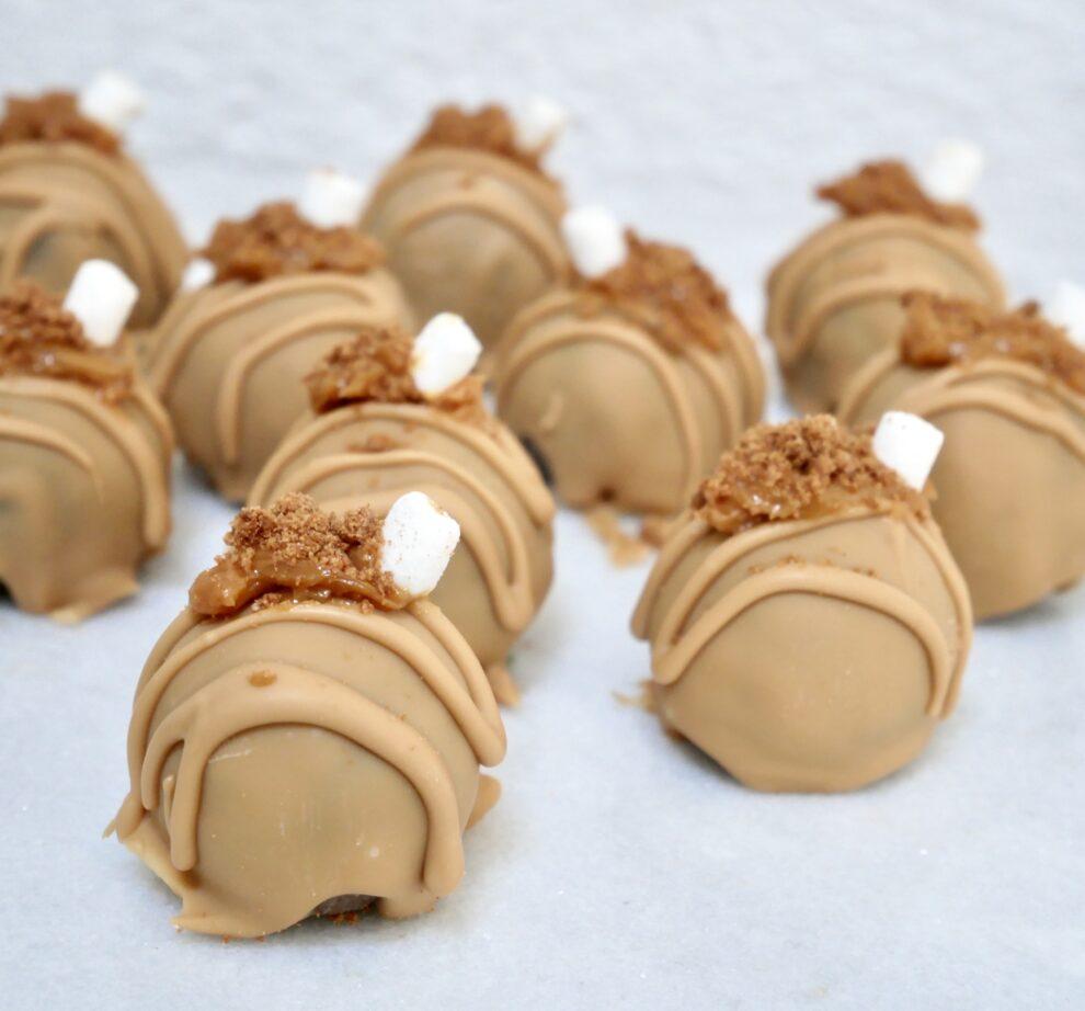 Amandel-speculaas hapjes met golden chocolate!