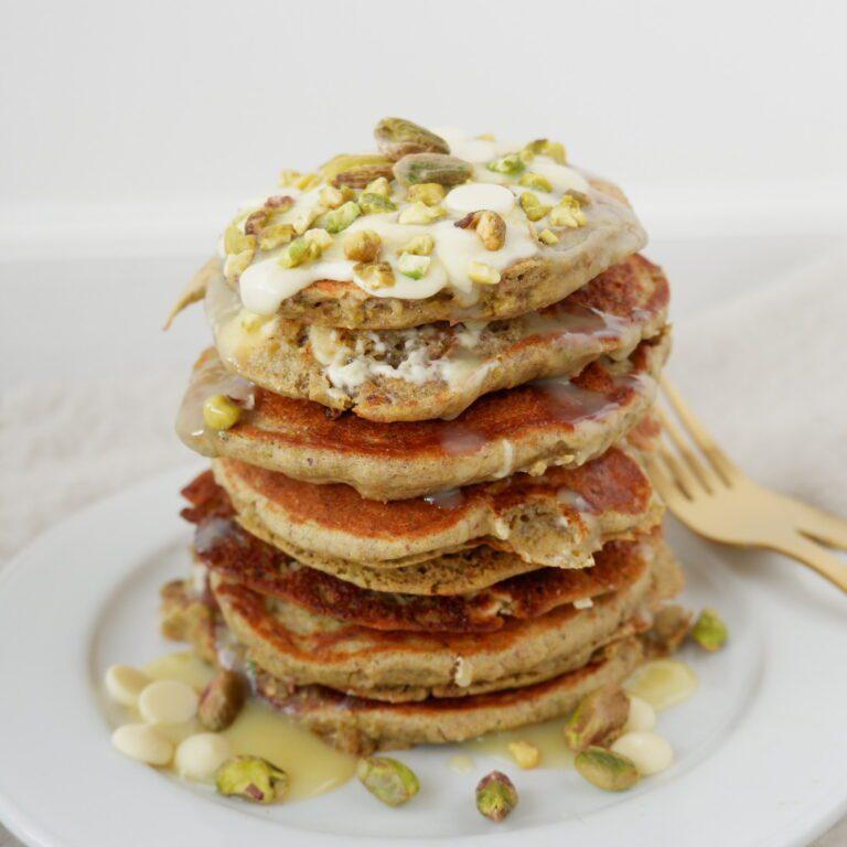 Pistache pancakes met witte chocolade druppels