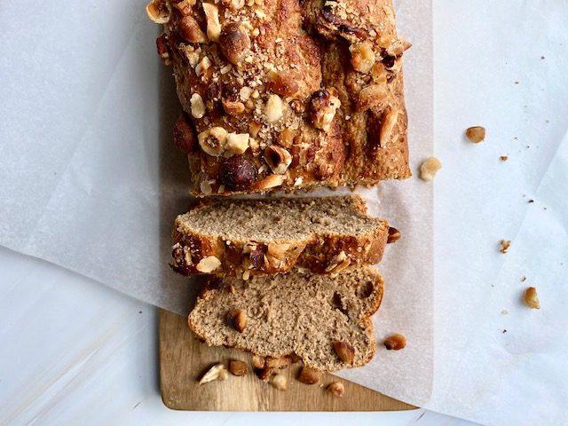 Bananenbrood met notencrunch on top