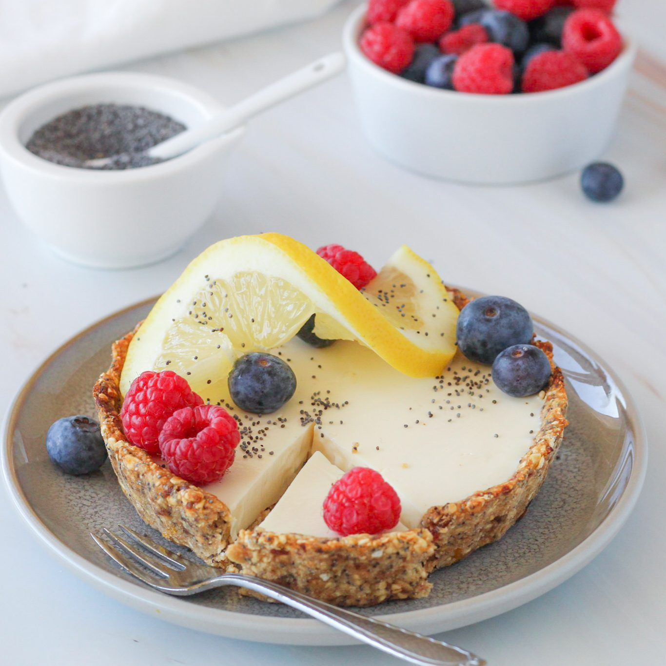 Glutenvrij maanzaad en citroen ontbijttaartje