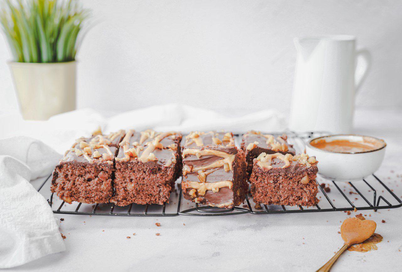 Zachte en luchtige notencake