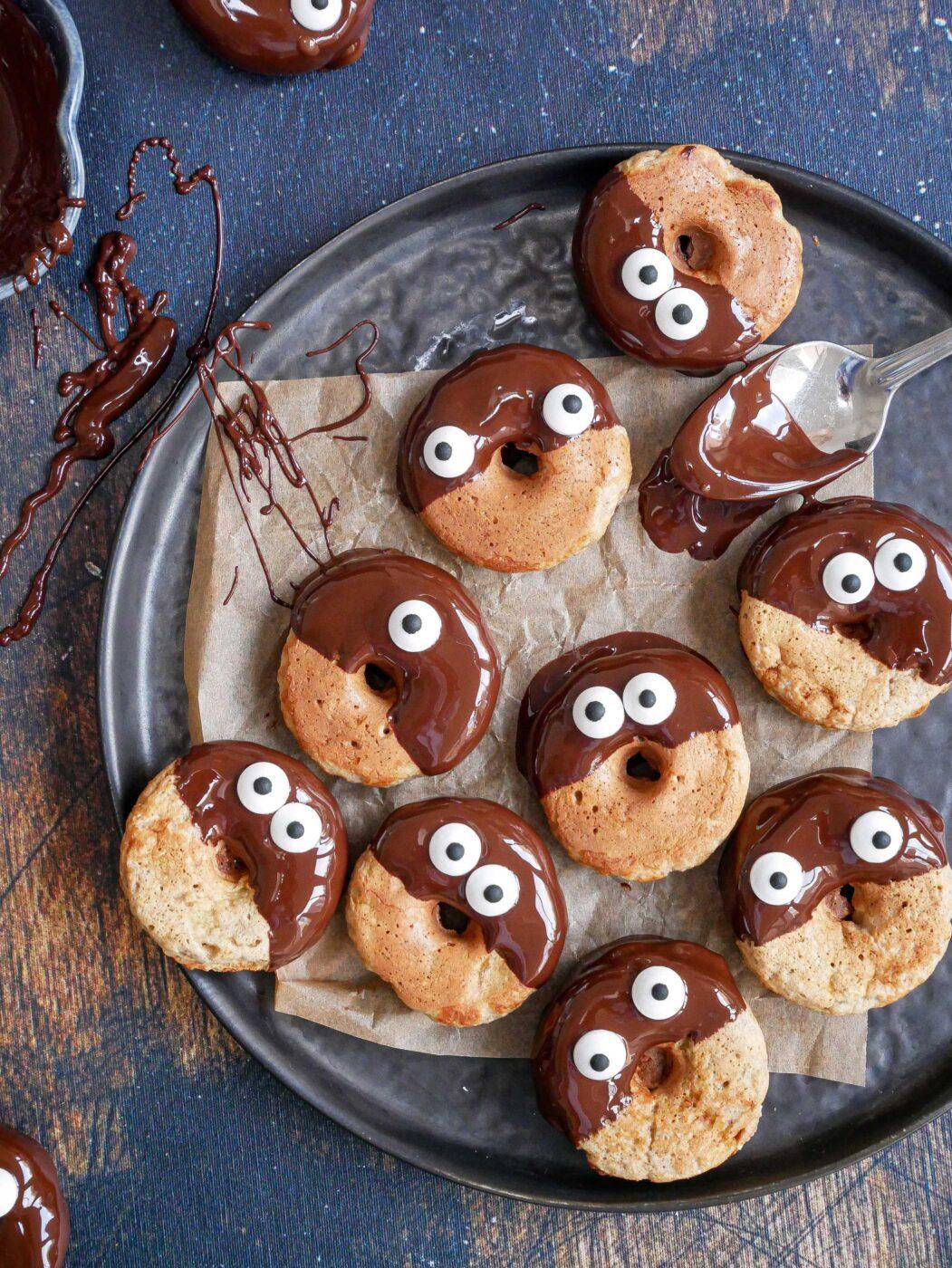 Halloween-wafel-donuts met oogjes